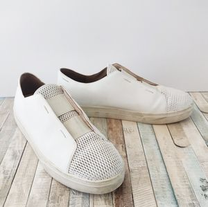 🌞 Eileen Fisher white leather slip on loafers 9.5